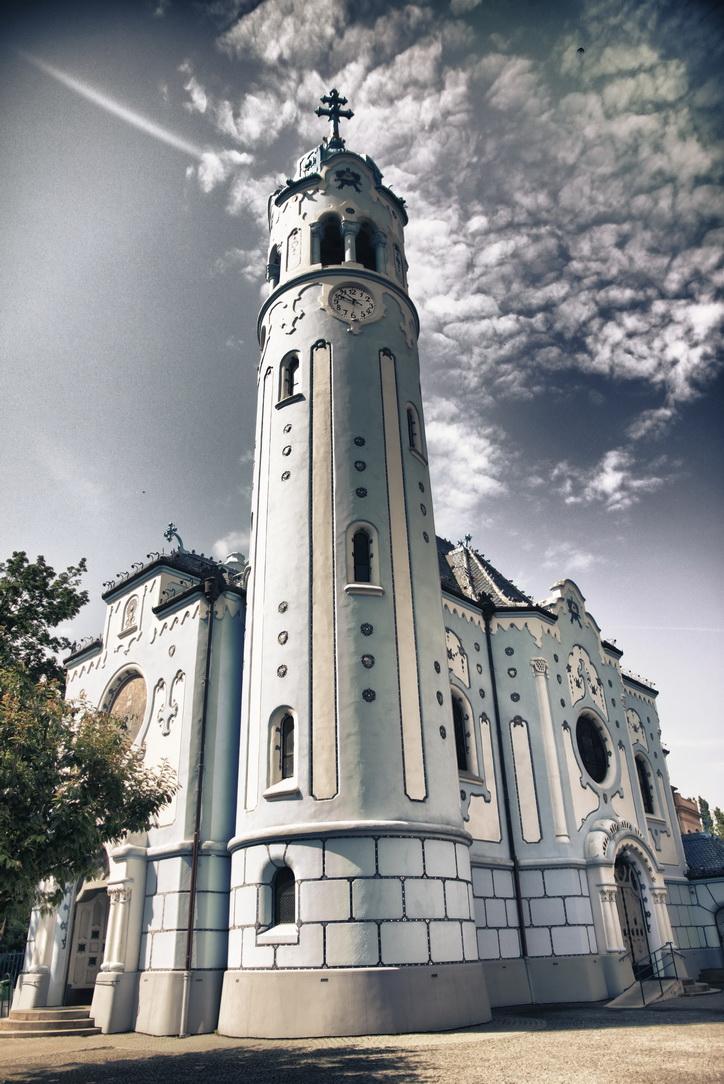 136-modry-kostolik