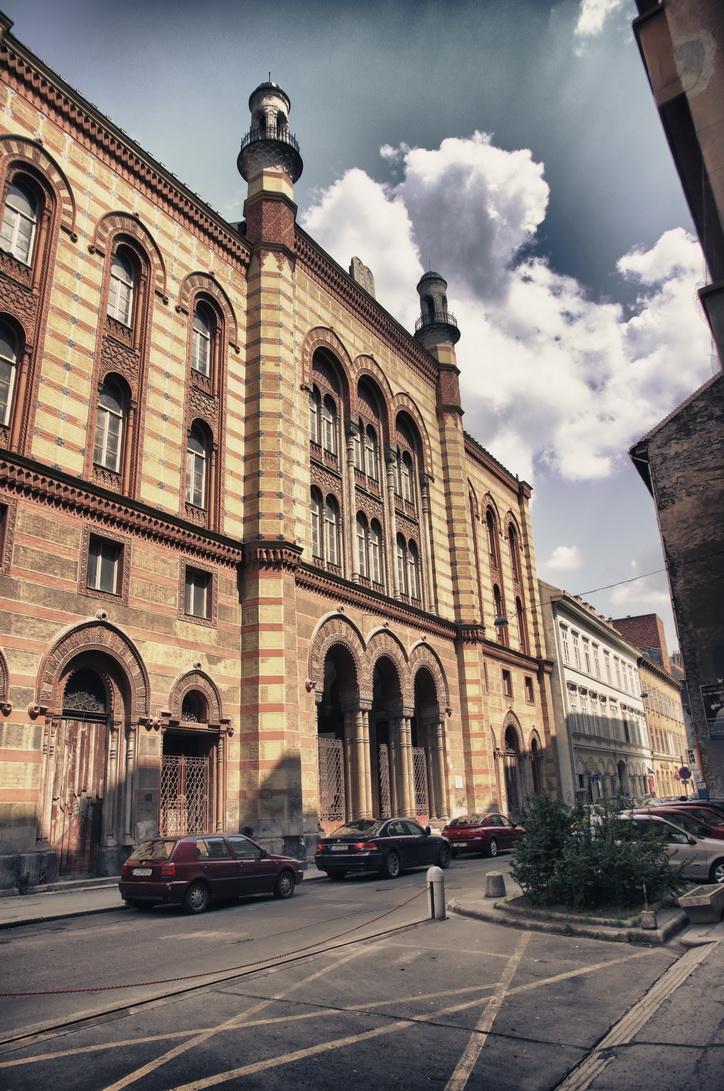 001-rumbach-synagogue