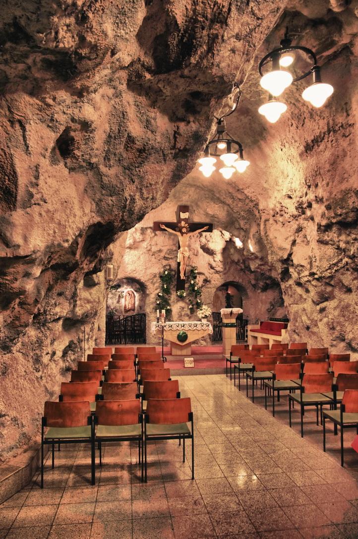 095-cave-church