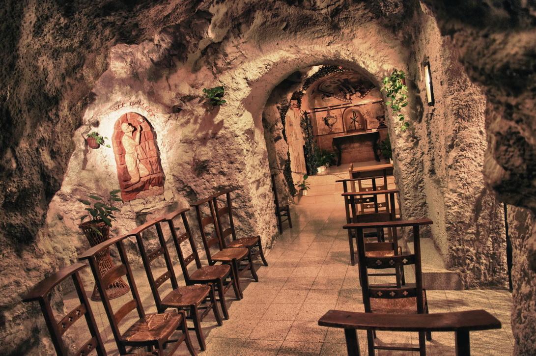 097-cave-church