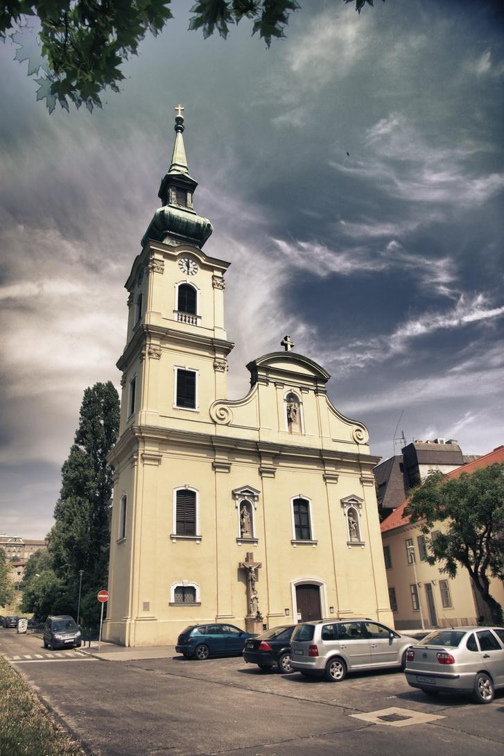 101-tabani-katolikus-templom