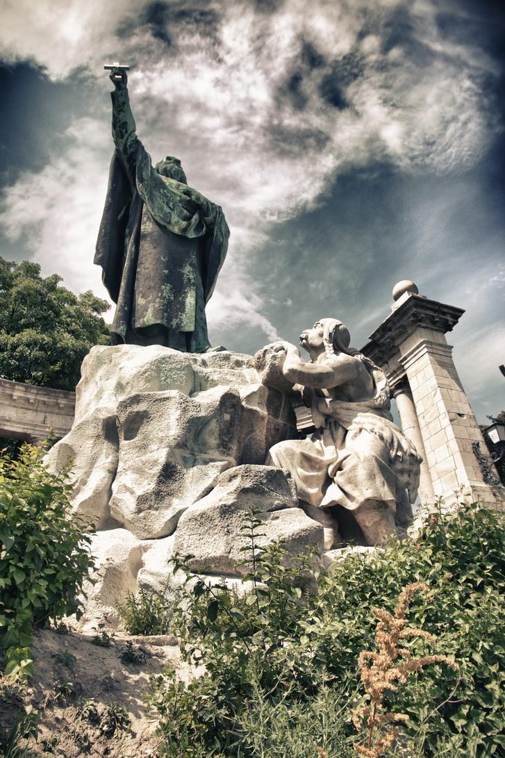 104-gellert-monument