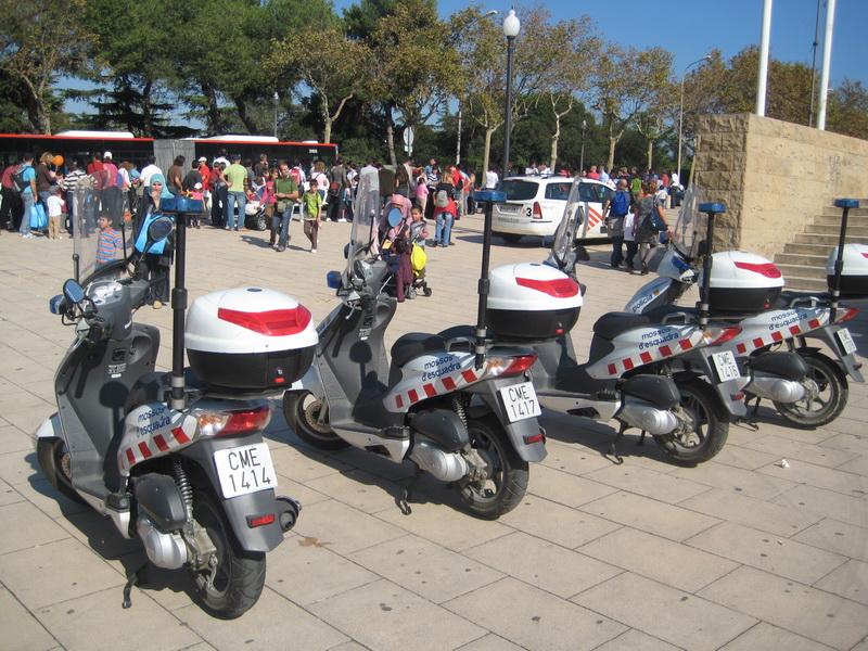 Скутеры Барселонской полиции