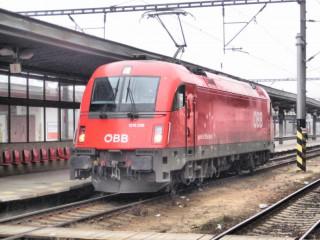 Электровоз Siemens QBB на станции в Праге