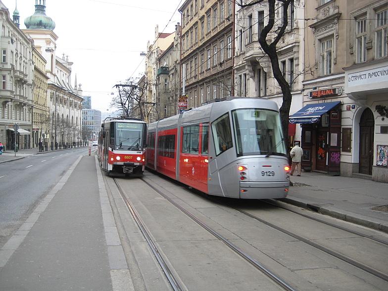Две эпохи пражских трамваев