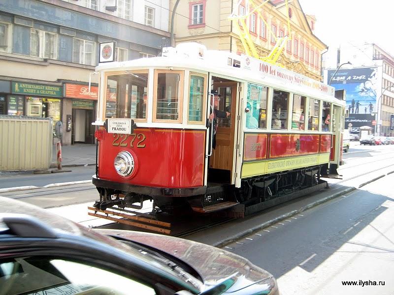 Ретро трамвай Праги.