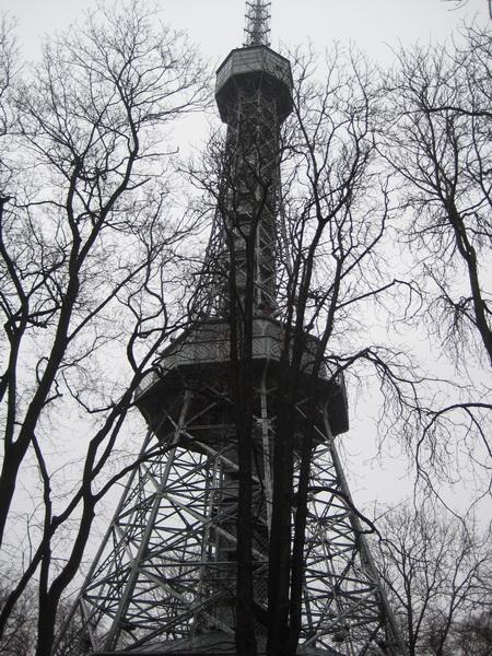 Обзорная башня на холме Петршин