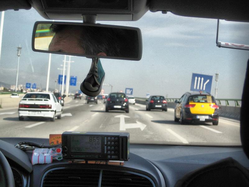 Вид из такси на шоссе. Барселона.
