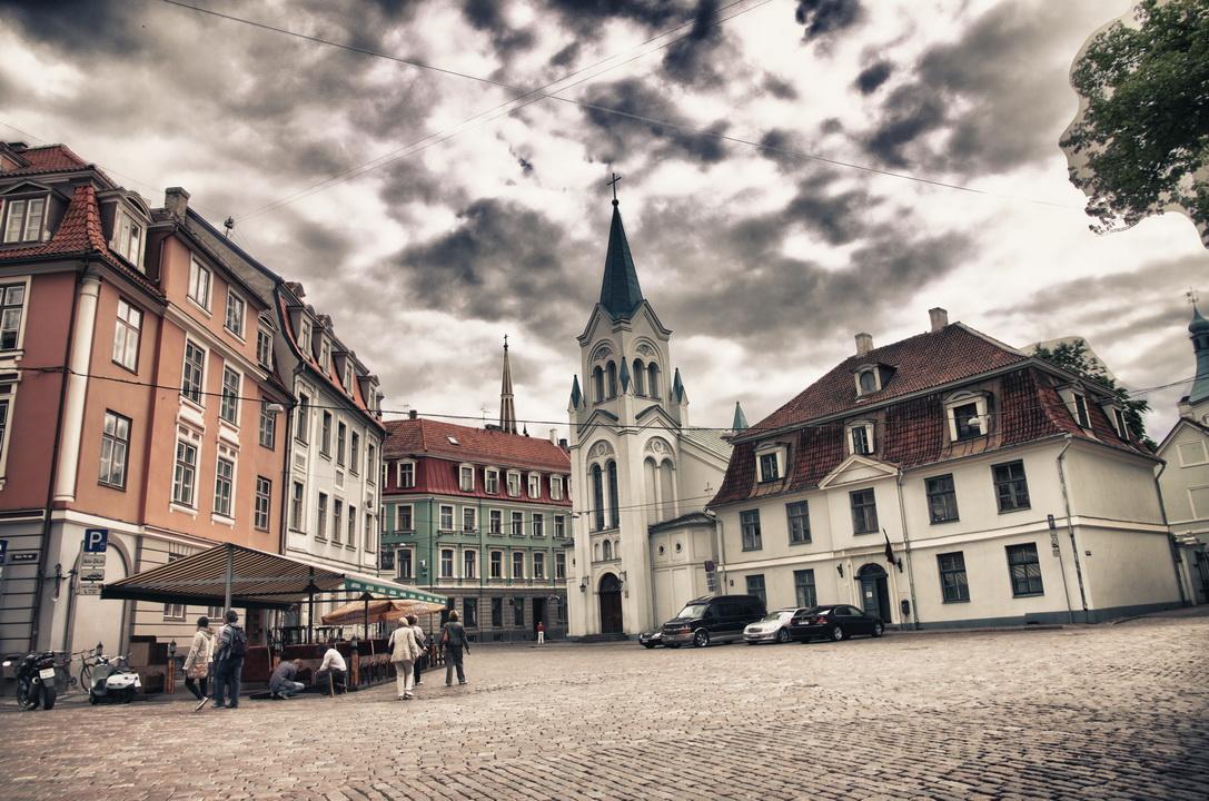 1318-castle-square