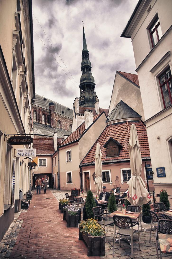 1330-convent-court