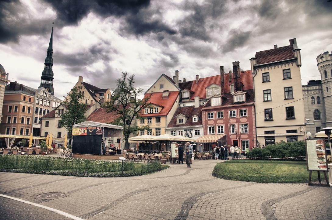 1579-livu-square