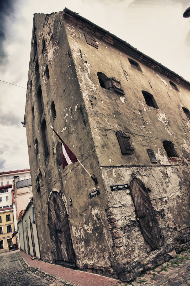 1692-riga-streets-08