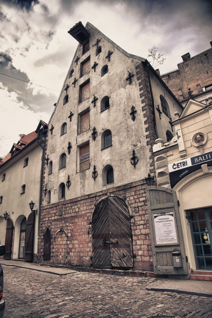 1693-riga-streets-09