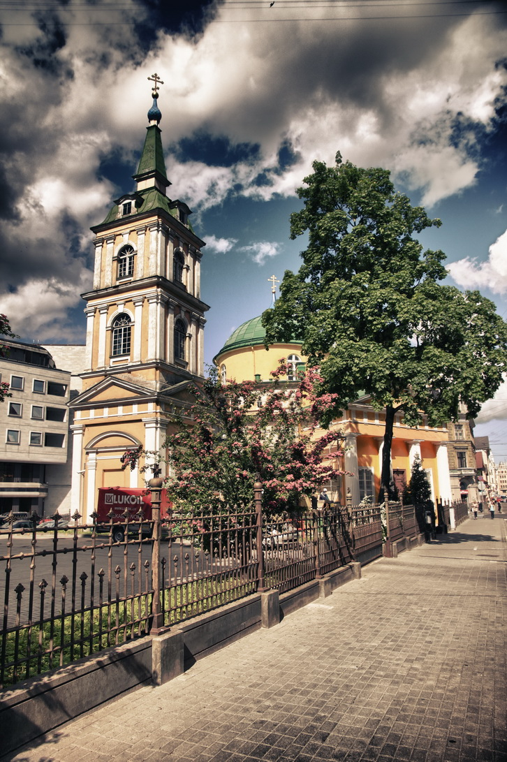 1920-nevsky-church