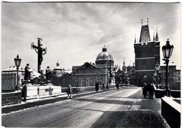 Прага. Староместская примостовая башня у Карлова Моста.