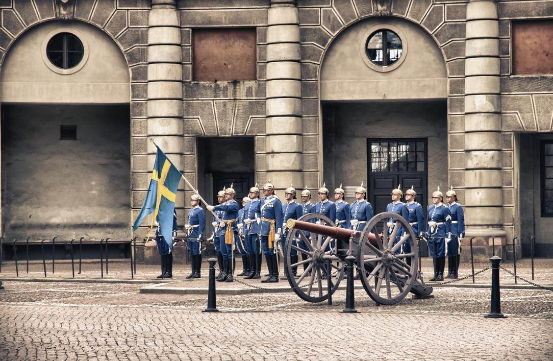 2650-royal-guards-2