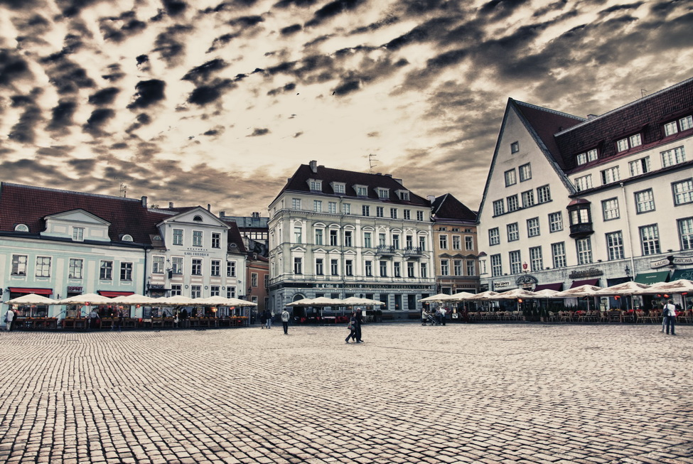 6892-town-hall-square-3