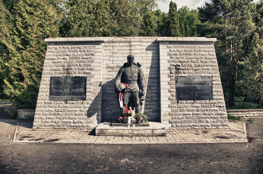 7038-military-cemetery-2