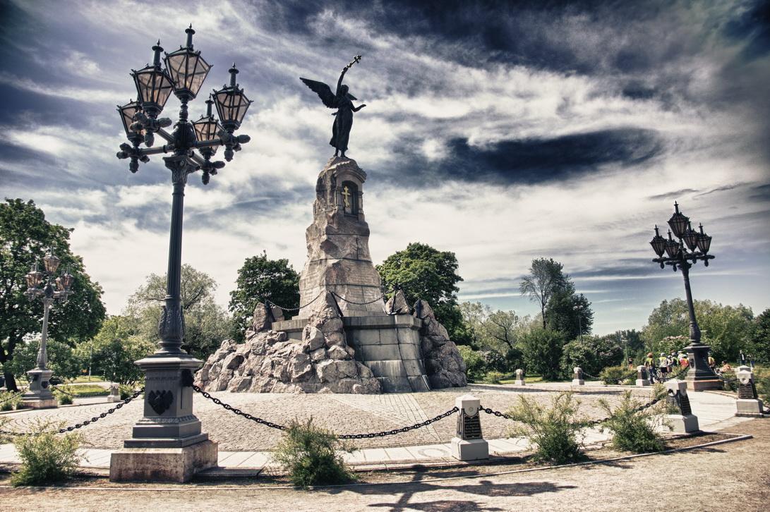 7329-rusalka-monument