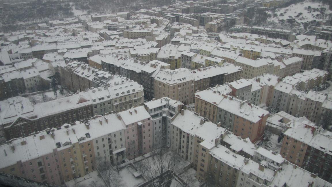 Жижковская телебашня Праги.