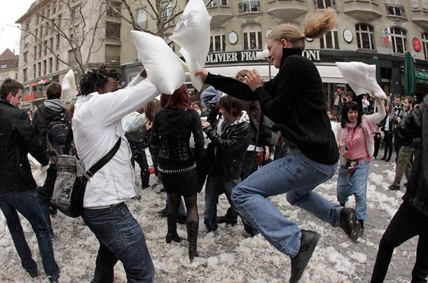 Битва подушками в Праге