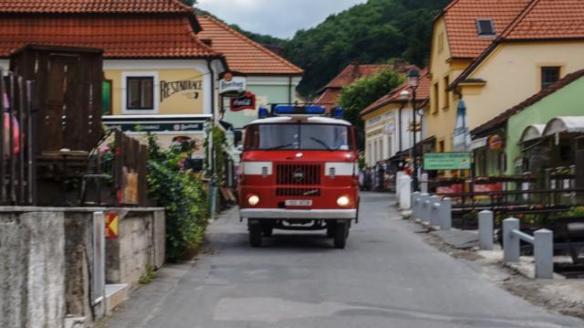 Пожарная машина в замке Карлштейн