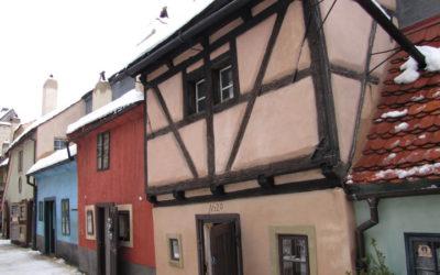 Злата улочка и башни Пражского Града