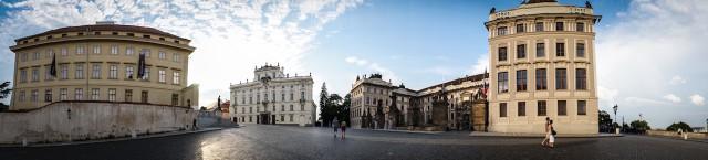 Панорама Градчанской площади в Праге