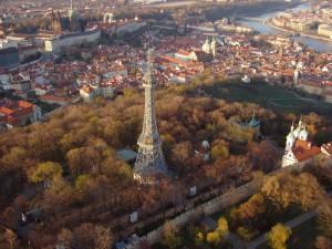 Башня на холме Петршин. Фото с официального сайта.