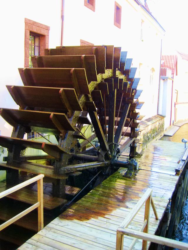 Водяная мельница на острове Кампа