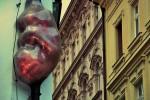 Скульптуры Праги: Эмбрион Давида Черны