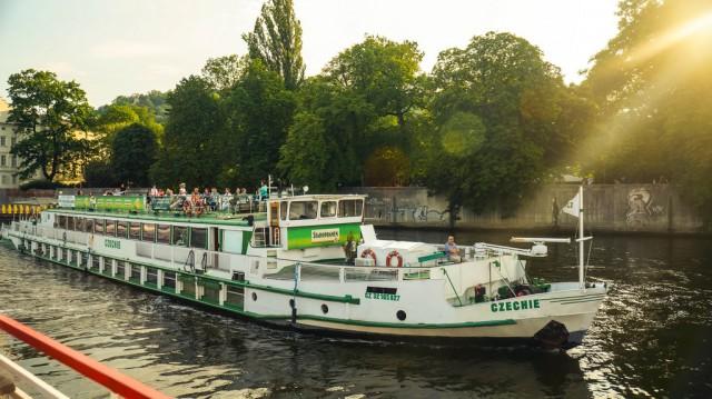 Встречный корабль на Влтаве