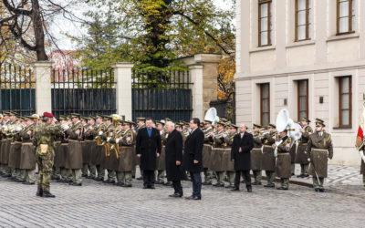 Фотографии с присяги президенту в День Независимости Чехии