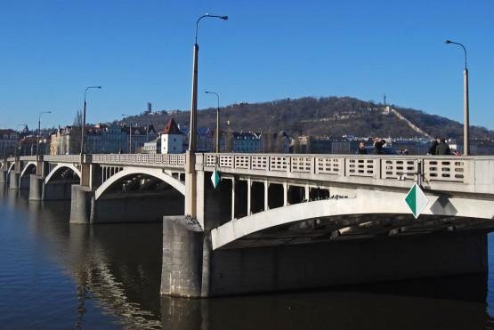 Ирасеков Мост