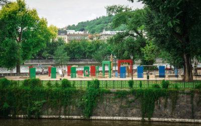 Славянский остров и дворец Жофин