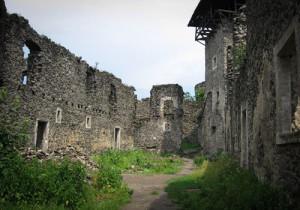 Развалины Хустского замка на Украине