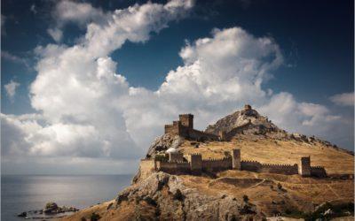 Средневековая Генуэзская крепость в Крыму