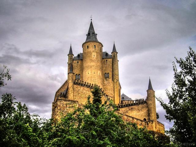 На подступах к замку Алькасар