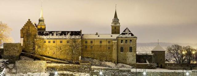 Крепость Акерсхус зимним вечером