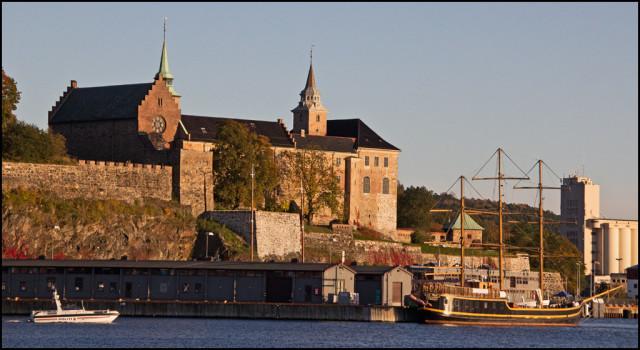 Крепость Акерсхус в Норвегии. Вид с воды.