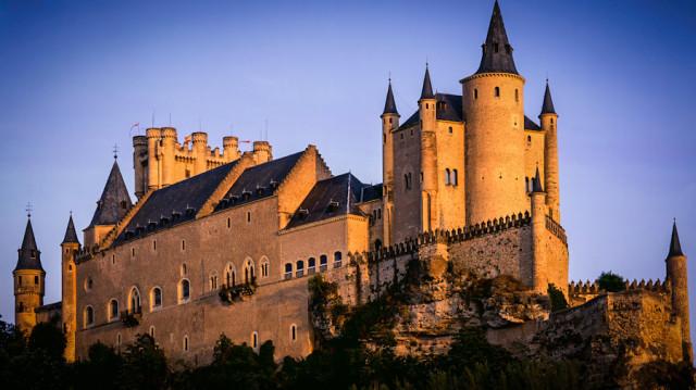 Замок Алькасар в Испании является самым узнаваемым замком этой страны