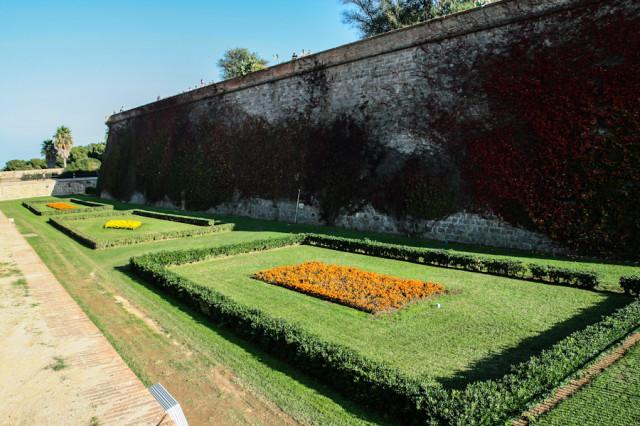 Сады рядом с замком Монжуик в Барселоне