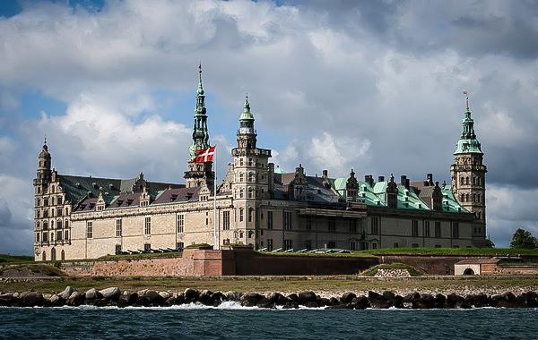 Вид на замок Кронборг в Хельсингёре