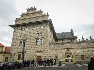 Шварценбергский дворец в Праге и легенда об архитекторе