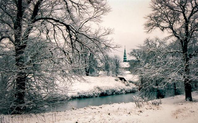 Природа рядом с замком Кронборг в Хельсингёре зимой