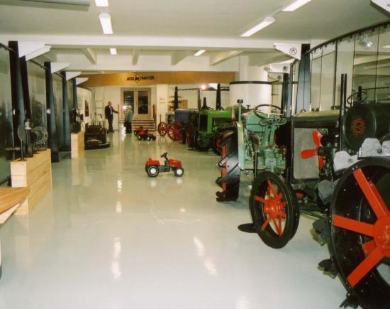 Детские тракторы в музее сельского хозяйства в Праге