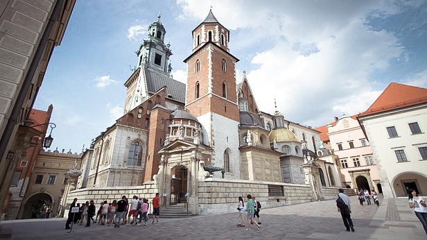 Вход Кафедральный собор святых Станислава и Вацлава в Вавеле. Польша.