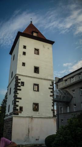 Малостранская водонапорная башня на левом берегу Влтавы в Праге