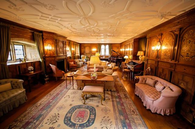 Гостинная в замке Лидс в Англии