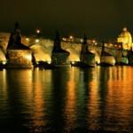 Новые фонари на Карловом мосту